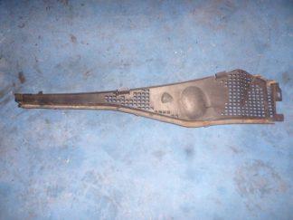 Дефлектор (жабо) левая часть